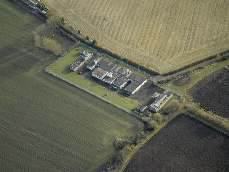 Oblique aerial view centred on the radar station, taken from the NW.