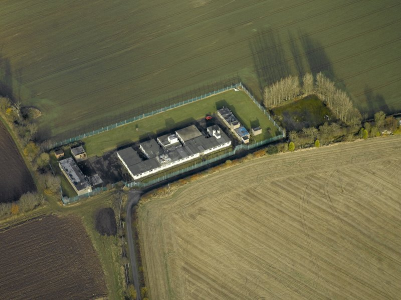 Oblique aerial view centred on the radar station, taken from the SSW.