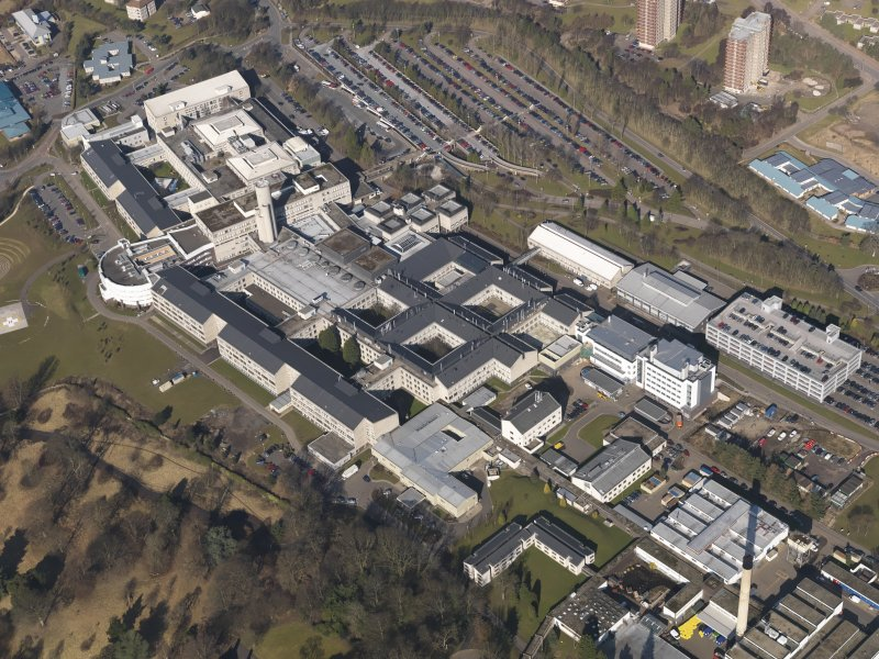 Oblique aerial view centred on the hospital, taken from the SE.