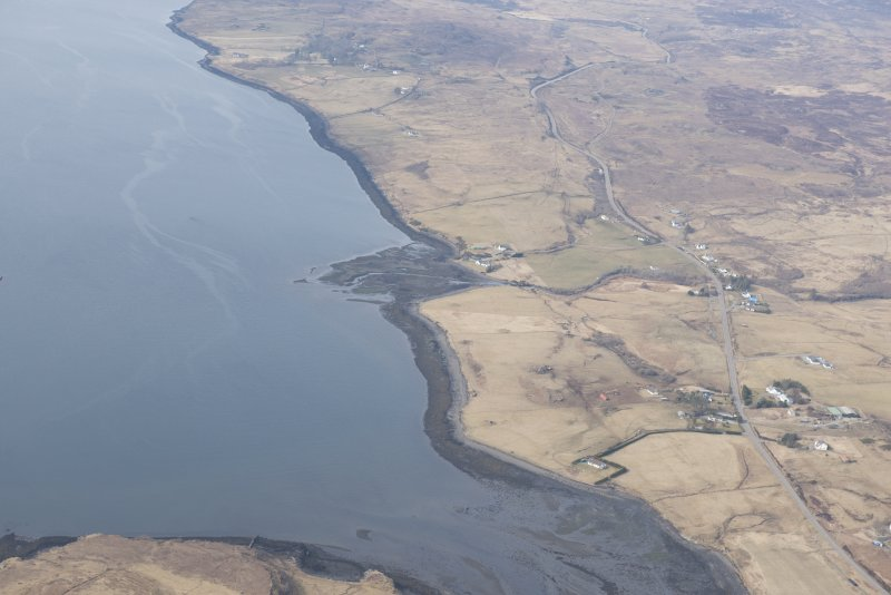 Oblique aerial view of Eyre, River Snizort, looking NNW.