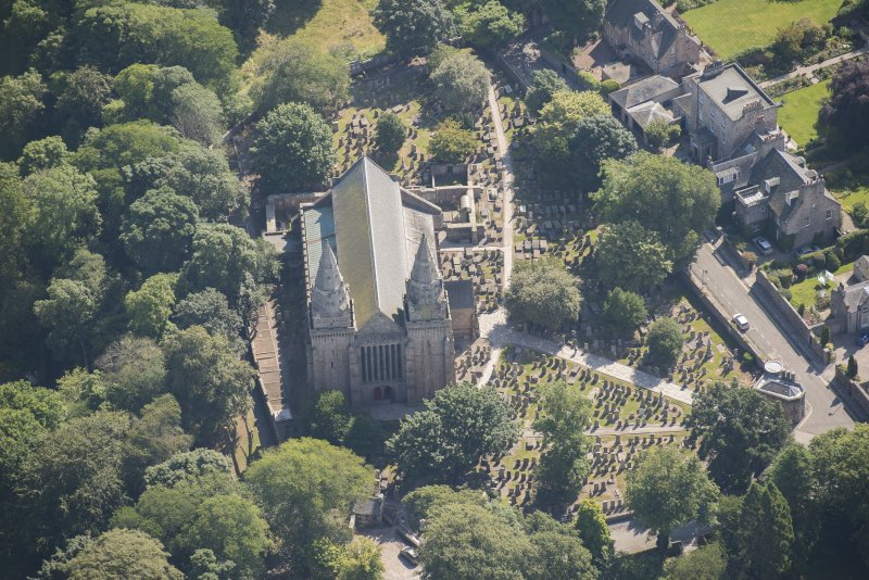Oblique aerial view of St Machar's Cathdral and churchyard, looking E.