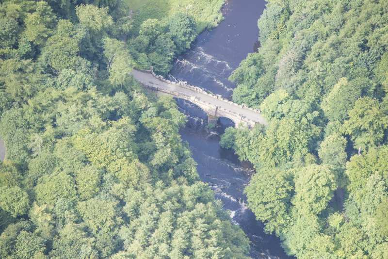 Oblique aerial view of Almondell Bridge, looking WSW.