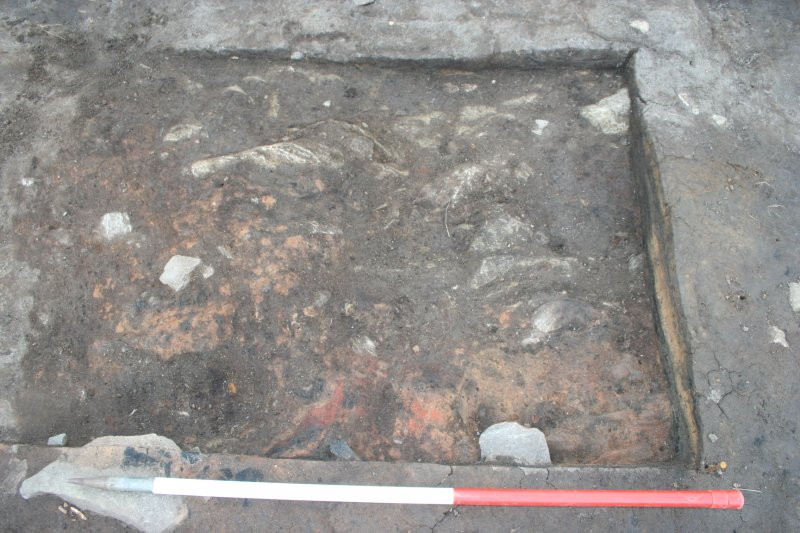 D089-91 concreted hearth bottom from N