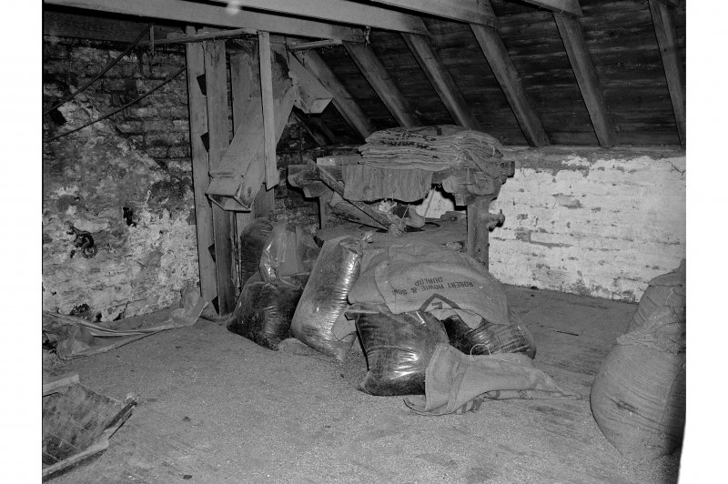 Millmannoch, Mill, interior View of millstones