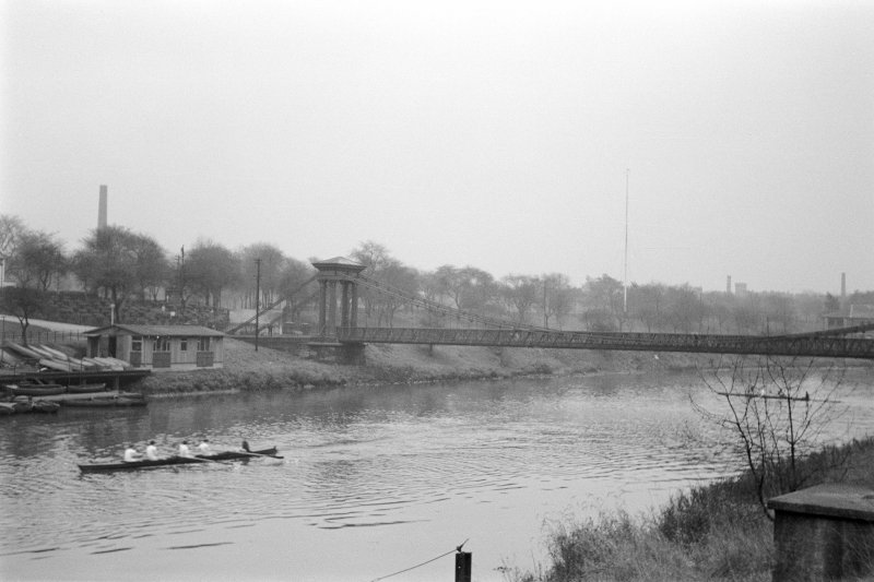 Glasgow, Glasgow Green, St Andrew's Suspension Bridge View from WNW showing part of NW front