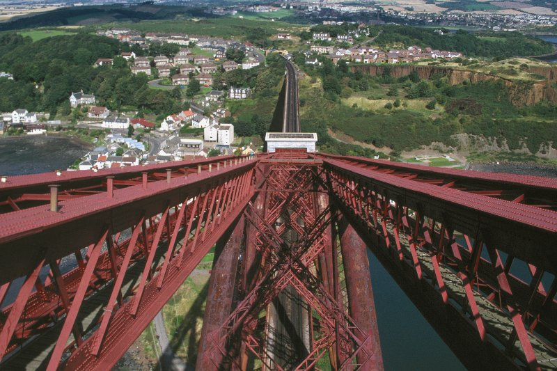 Forth Bridge: View from top of Fife Cantilever looking North over the Portal and approach viaduct , with North Queensferry below and Inverkeithing in background