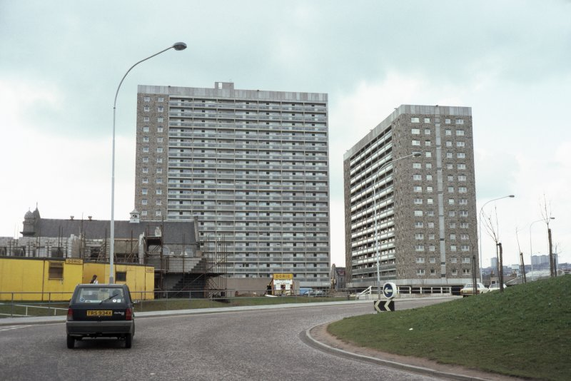 Aberdeen, Hutcheon St: View from road of Hutcheon Court and Greig Court.
