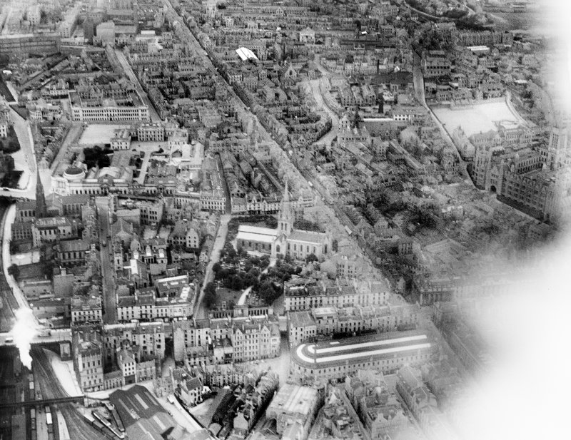 Aberdeen, general view, showing Kirk of St Nicholas, George Street and Robert Gordon's College.  Oblique aerial photograph taken facing north.