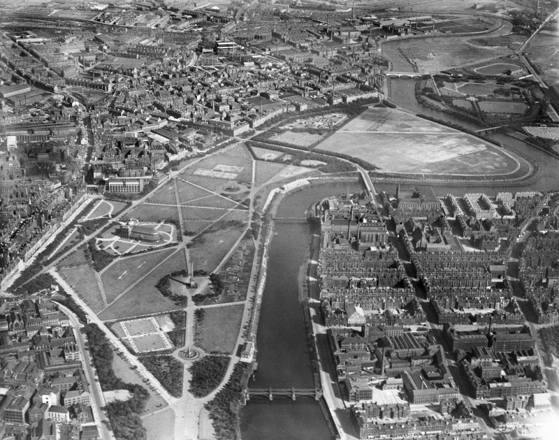 Glasgow Green and River Clyde, Glasgow.  Oblique aerial photograph taken facing south-east.