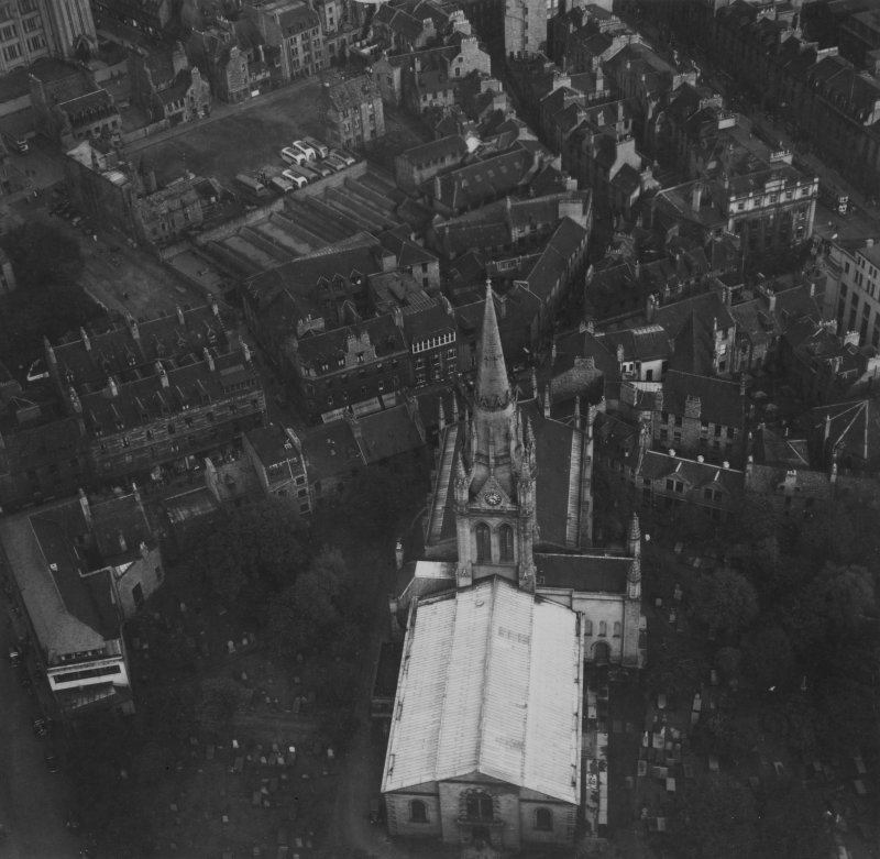 Kirk of St Nicholas, Union Street, Aberdeen.  Oblique aerial photograph taken facing east.  This image has been produced from a print.