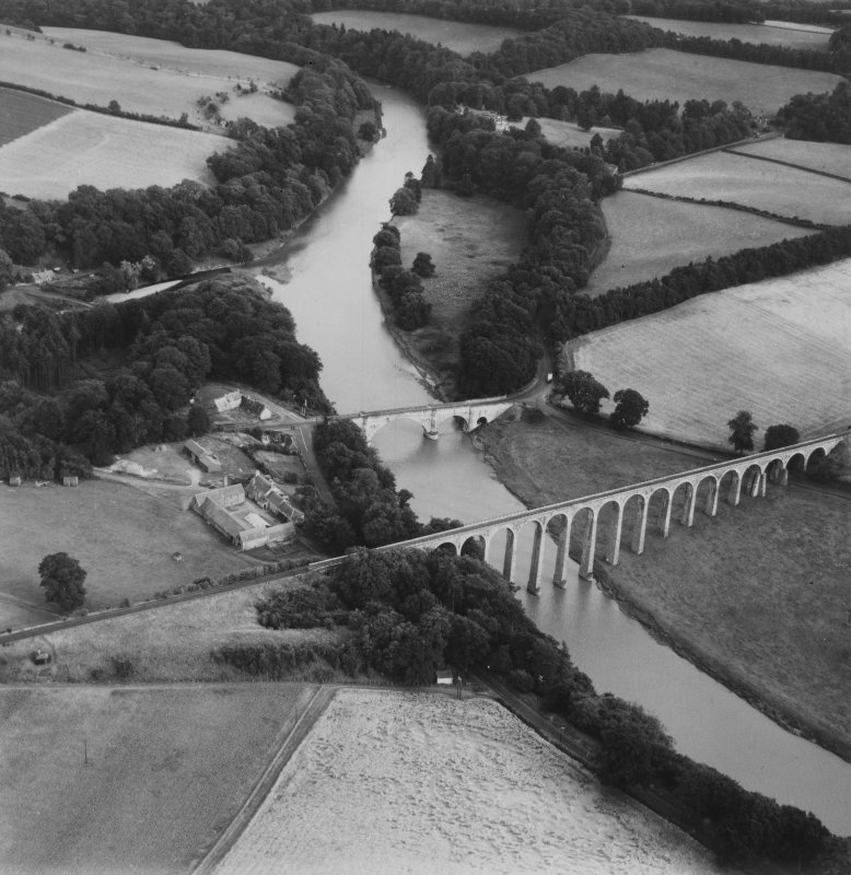 Leaderfoot Viaduct and Road Bridge, Leaderfoot.  Oblique aerial photograph taken facing south-east.  This image has been produced from a print.