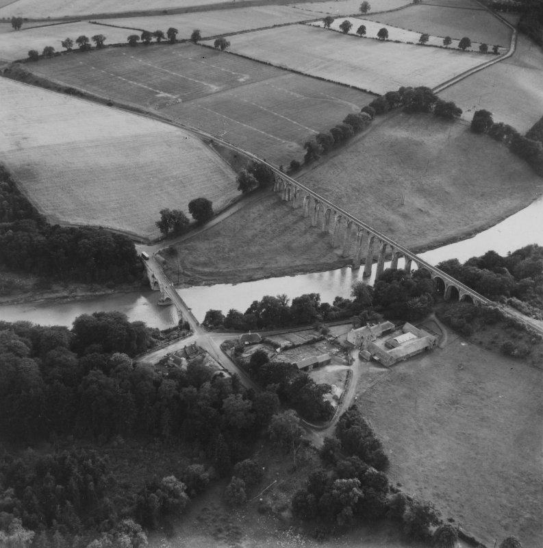 Leaderfoot Viaduct and Road Bridge, Leaderfoot.  Oblique aerial photograph taken facing south-west.  This image has been produced from a print.