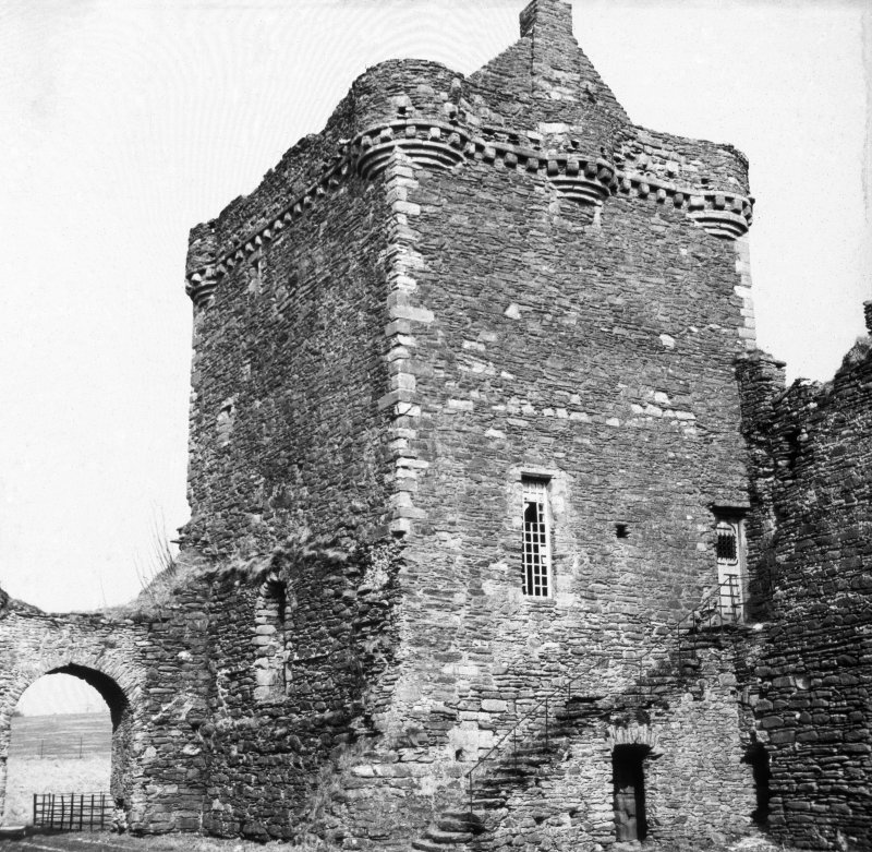 General view of keep from South West, Skipness Castle.