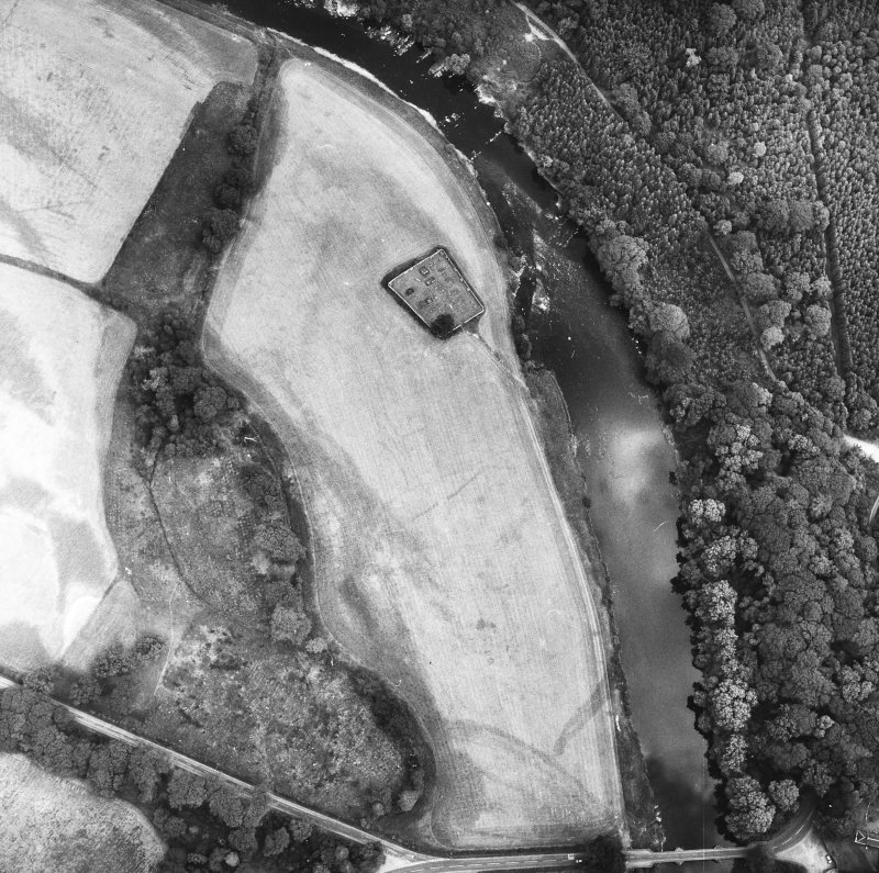 Vertical aerial view centred on burial ground.