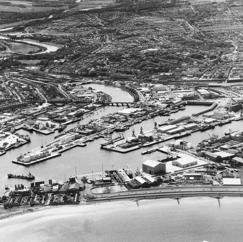 Oblique aerial view of City Centre.