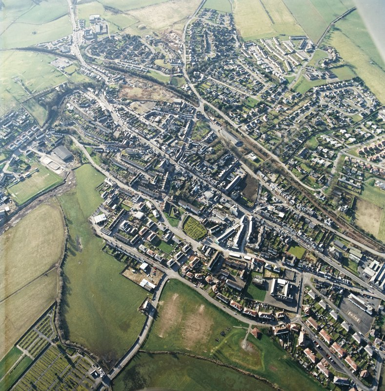 General oblique aerial view centred on the town centre taken from the E.