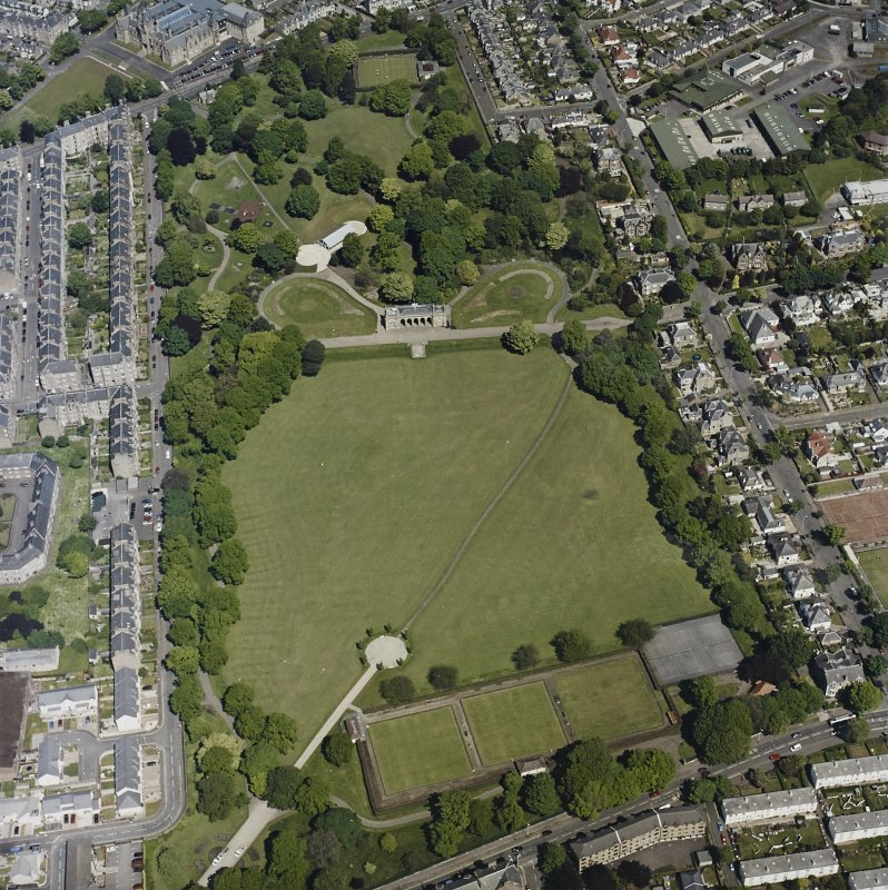 Oblique aerial view centred on the park and pavilion, taken from the S.