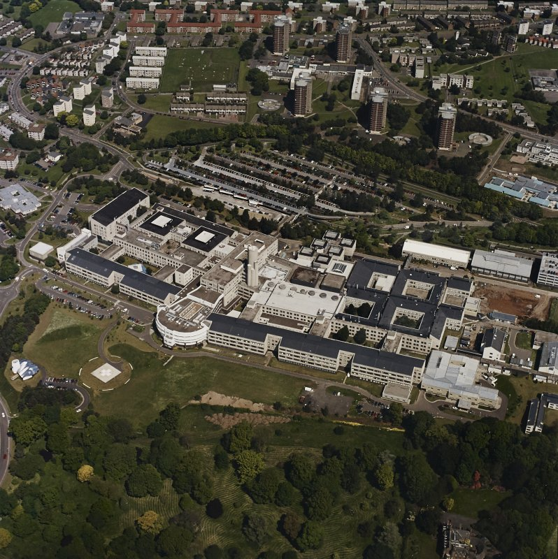 Oblique aerial view centred on the hospital, taken from the S.