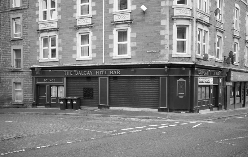 The Balgay Hill Bar on the corner of Blackness Rd and Rosefield St