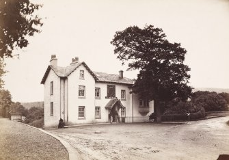 Page 4/5 View of Alloway Hotel, Ayr. Titled 'Alloway Hotel. PHOTOGRAPH ALBUM N0.146: THE THOMAS ANNAN ALBUM