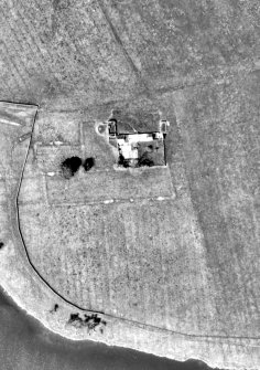 Threipmuir: enlarged extract of aerial photograph OS_69_235_400 shown at 1:1000 (Crown Copyright Ordnance Survey)