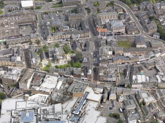 Oblique aerial view of Falkirk Old Parish Church and St Andrew's Church, taken from the S.
