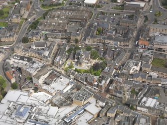 Oblique aerial view of Falkirk Old Parish Church and St Andrew's Church, taken from the SSE.