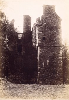 General view of Greenknowe Tower Titled: 'Same' (refers to PA7/13v).