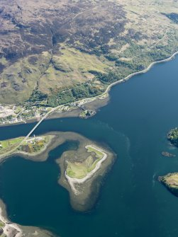 General oblique aerial view centred on Dornie Bridge and Eilean Donan Castle, taken from the W.