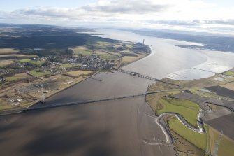 General oblique aerial view of Kincardine on Forth Bridge and Clackmannanshire Bridge, taken from the WNW.