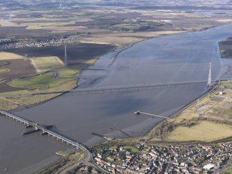 General oblique aerial view of Kincardine on Forth Bridge and Clackmannanshire Bridge, taken from the ESE.