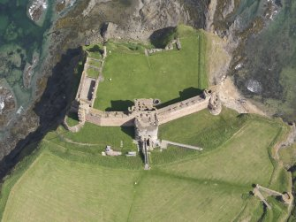 Oblique aerial view of Tantallon Castle, taken from the SW.