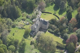 Oblique aerial view of Kemnay House, looking to the SW.