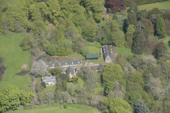 Oblique aerial view of Kemnay House Home Farm, looking to the NE.
