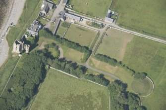 Oblique aerial view of Thurso Castle and East Mains farmstead, looking to the NE.