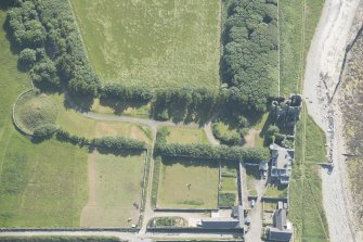 Oblique aerial view of Thurso Castle, looking to the SW.