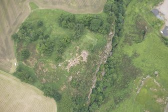 Oblique aerial view centred on the Glasgow University excavations at Kay Craig, looking NNE.
