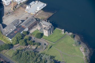 Oblique aerial view of Newark Castle, looking NNW.