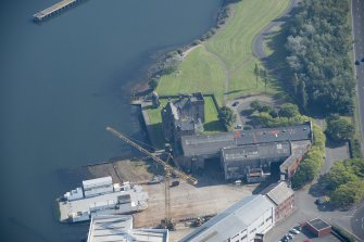 Oblique aerial view of Newark Castle, looking ESE.