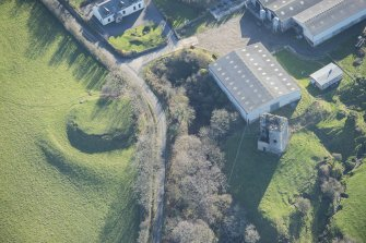 Oblique aerial view of Carleton Castle and Little Carleton Motte, looking S.