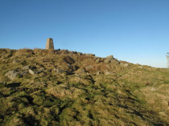 Drumcarrow Craig broch; view of quarry scoop in SE face of broch.