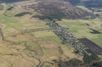Oblique aerial view of Tomintoul, looking S.