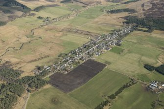 Oblique aerial view of Tomintoul, looking E.