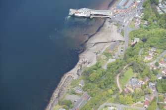 Oblique aerial view of Morland House, Wemyss Bay Station and Railway Station, looking N.