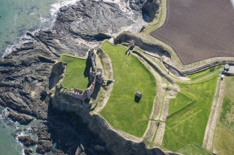 Oblique aerial view of Tantallon Castle, looking SSE.