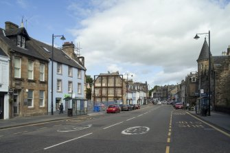 Linlithgow. General view of high street from west.