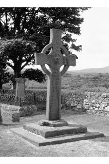Kildalton Chapel, Burial Ground View of cross in burial ground