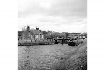 Forth and Clyde Canal, Wyndford Lock View from WSW showing W front of lock with lock-keeper's cottage in background