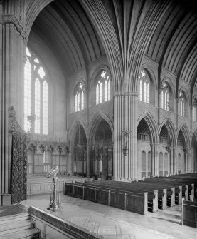 Interior - view of the nave and east transept