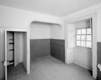 Interior. View of bed recess on first floor of West pavilion. Digital image of C 43640.
